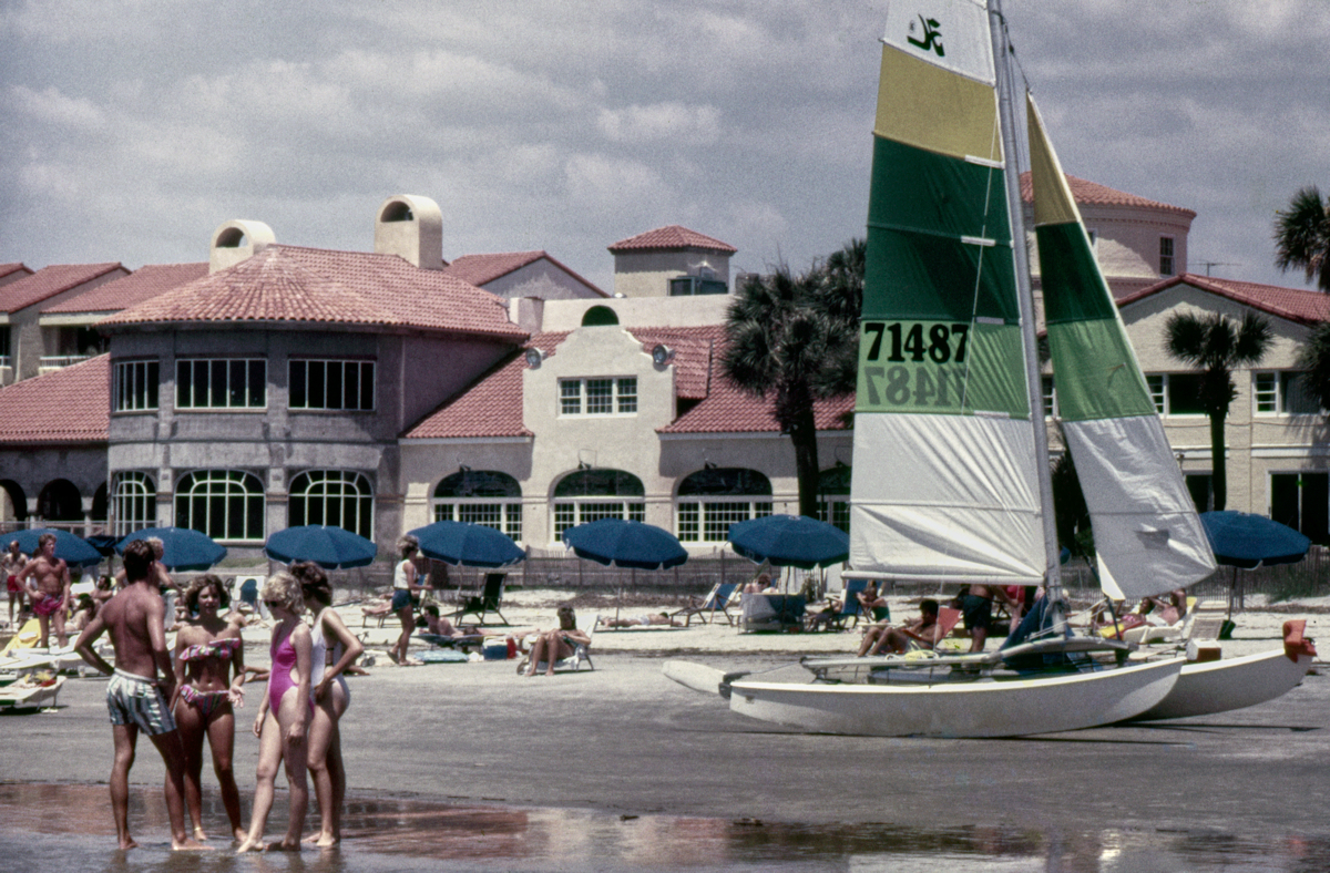King And Prince Hotel, 1985